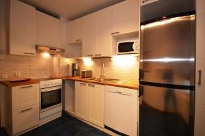 Kalustettu asunto | Keittiö | Iskostie 2, Vantaa