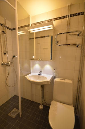 Kalustettu asunto   Kylpyhuone   Lähderanta 22, Espoo